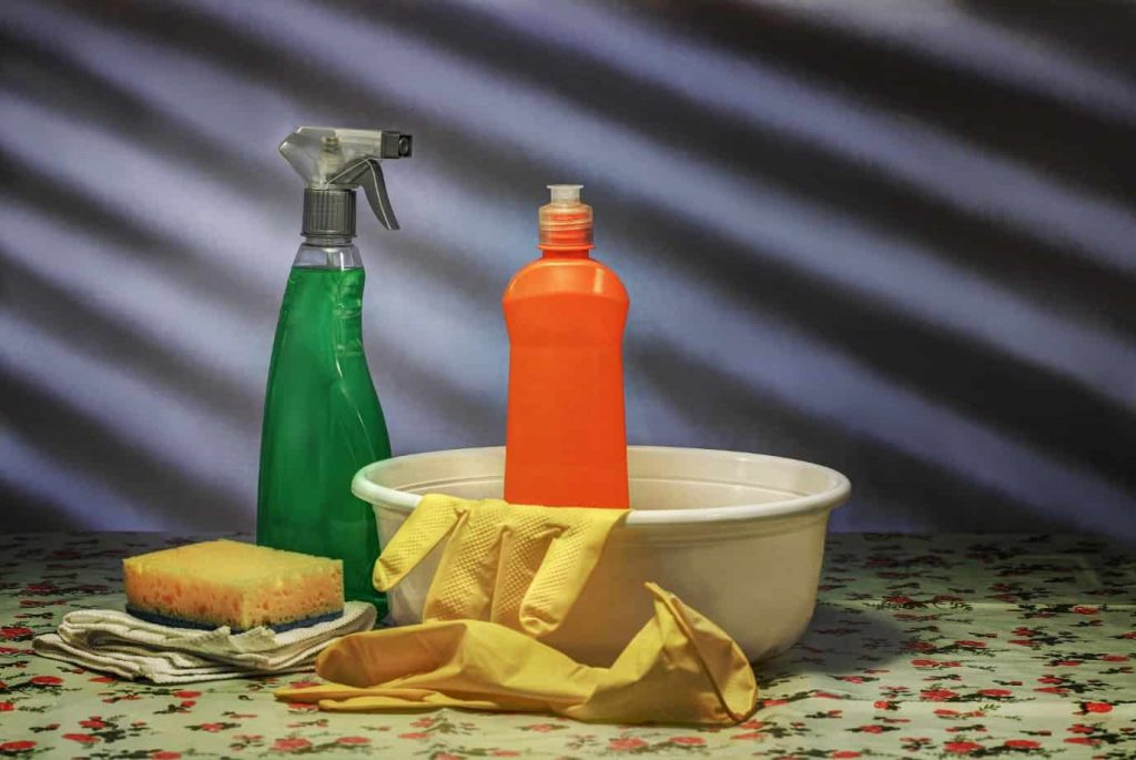 Cleaning utensils, spray, gloves and bowl